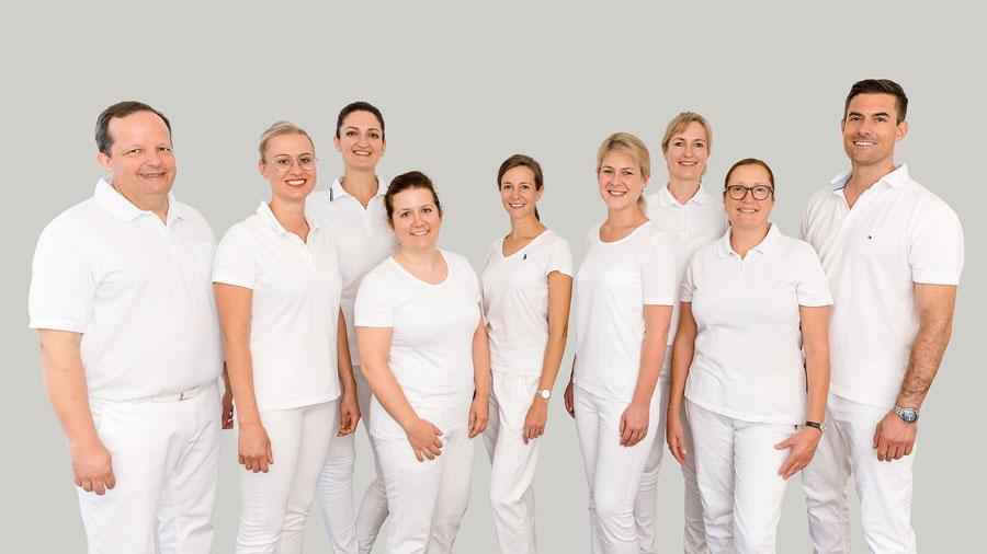 Ärztinnen / Ärzte - Dr M. Hecht M.Sc. / S. Baumann / O. Hobmaier / B. Stimmer / Dr. M. Albers / C. Emrich / Dr. J. Spanner / Dr. J. Gebhart / J. Schubert